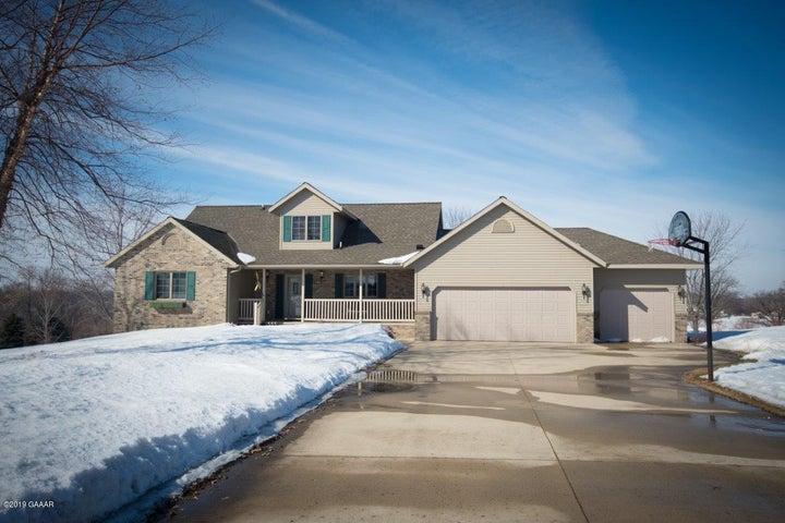330 Country Oak Drive, Sauk Centre, MN 56378