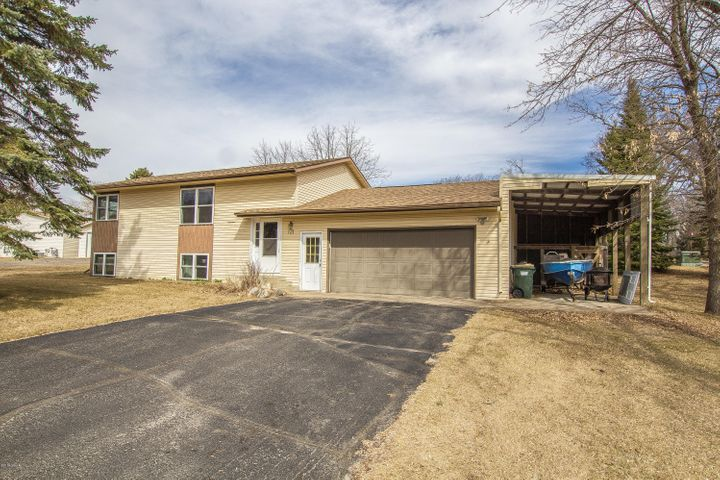 121 Country Club Heights Road NW, Alexandria, MN 56308