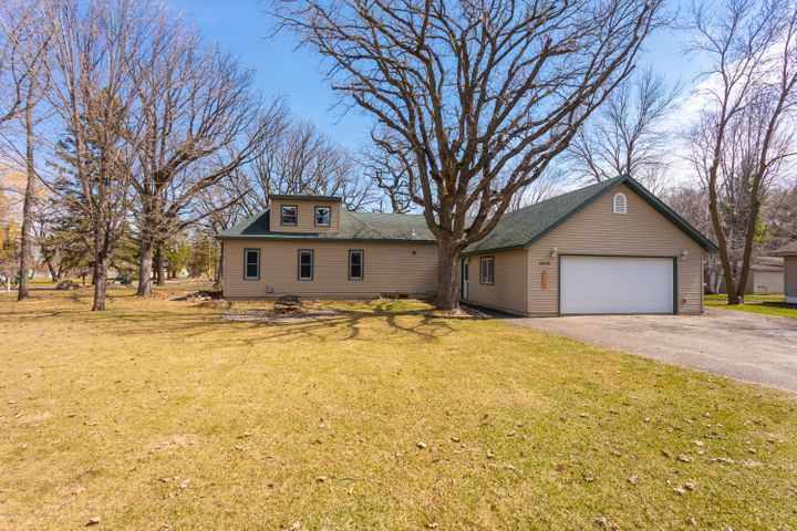 2606 Sessions Street NW, Alexandria, MN 56308