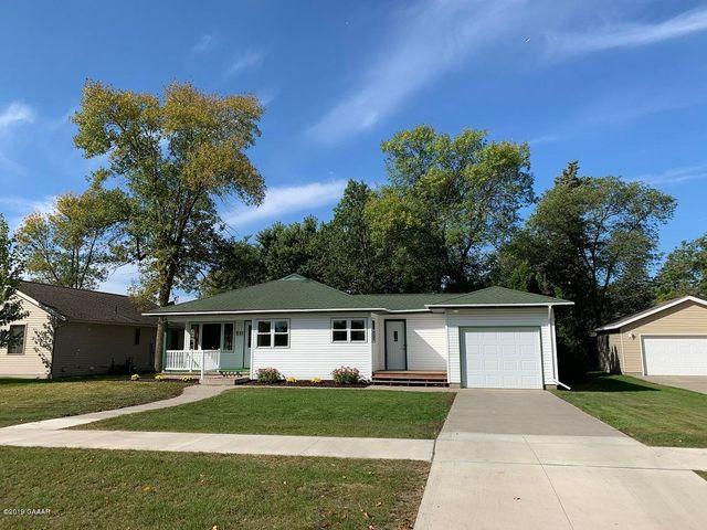 Built in 1950 here is a 3 bed 1.25 bath Rambler style home located on the north end of Sauk Centre near the old golf course, hospital and Jaycee Park! Property features: Newer roof, windows, siding, newer cabinets & hardwood flooring!