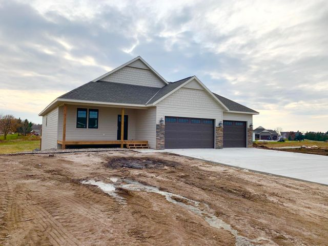 Showings to begin Nov. 1,...Very nice 4 Bedroom, 3 bath newly constructed home, featuring main floor laundry, gas fireplace, large family room, awesome kitchen, triple garage. Irrigation and lawn will be completed in the spring.