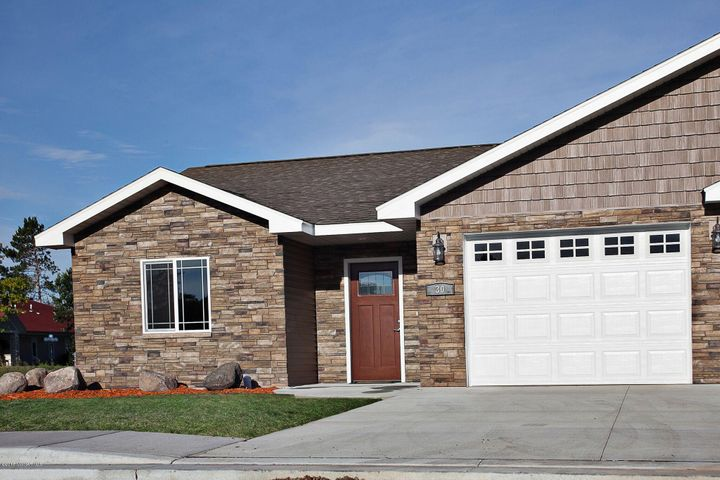 North Ridge Cottages invites you for easy carefree living!