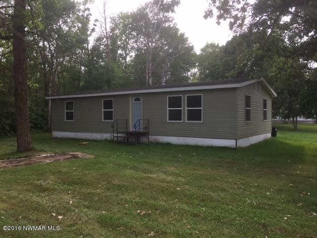 813 11TH Avenue SE, Roseau, MN 56751