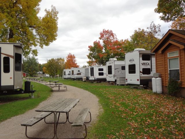 Hamilton's Fox Lake Campground