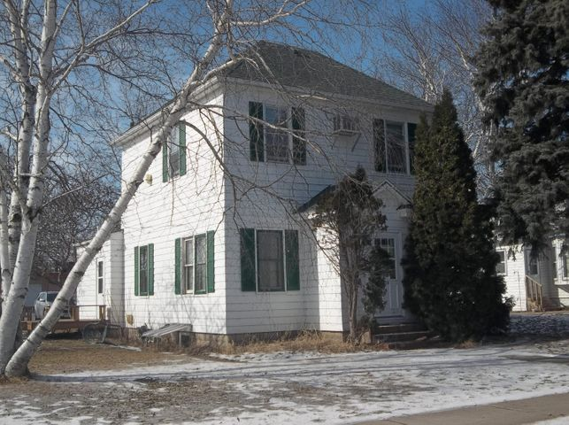 415 Horace Avenue N, Thief River Falls, MN 56701