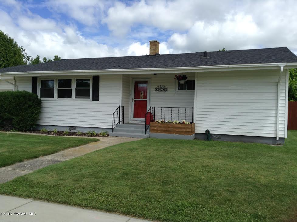 705 3rd Street NE, Roseau, MN 56751