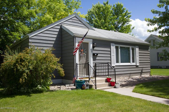 936 DULUTH Avenue N, Thief River Falls, MN 56701
