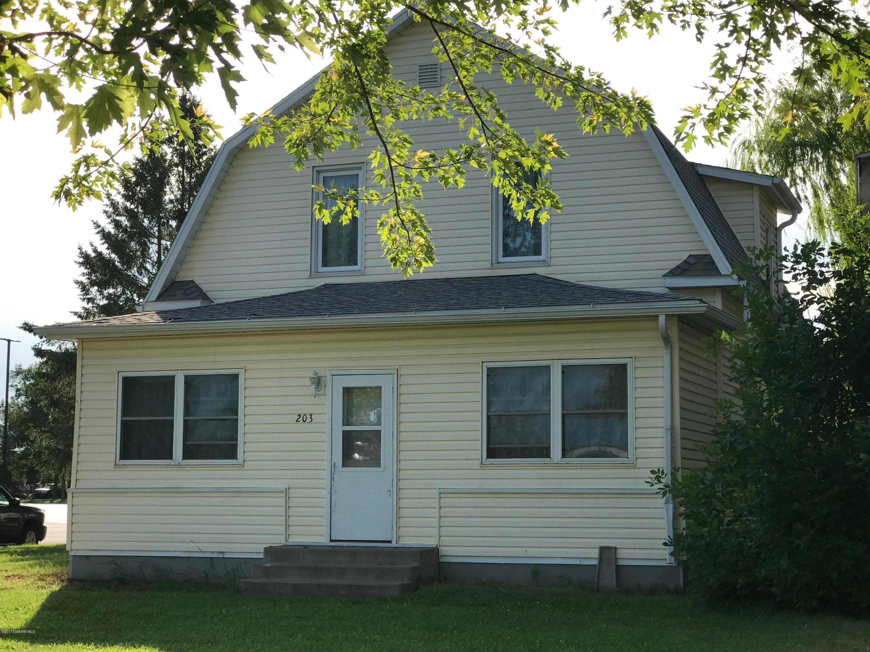 203 Larson Avenue N, Fosston, MN 56542