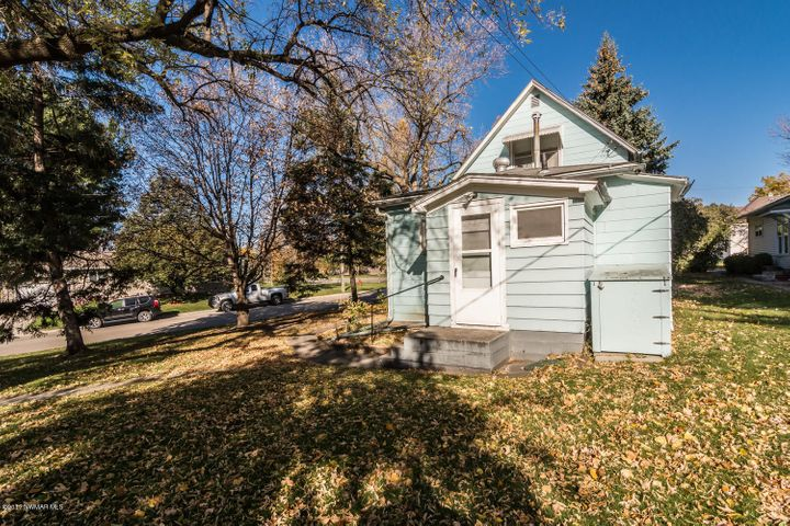 300 Central Avenue N, Crookston, MN 56716