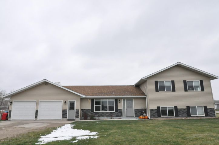 29797 400th Avenue, Roseau, MN 56751