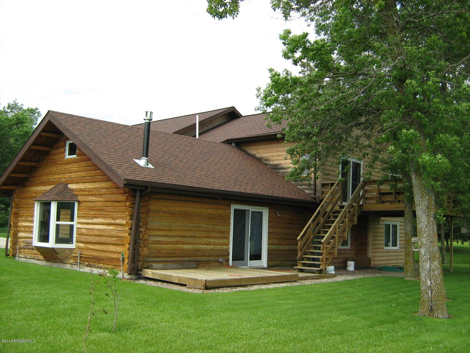 114 Cedar Court, Warroad, MN 56763