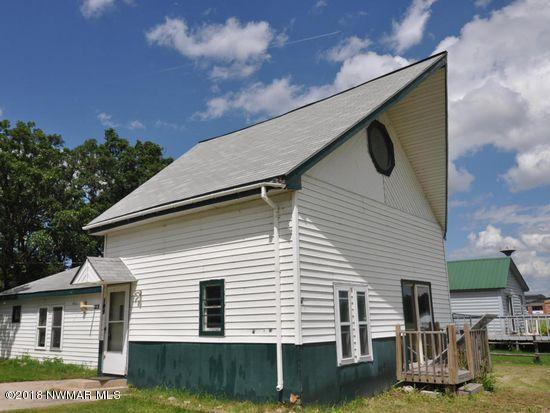 109 Lokken Avenue E, Badger, MN 56714