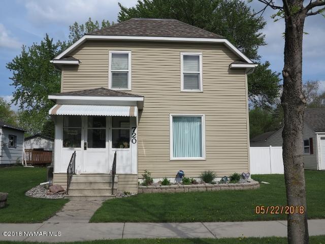 720 Arnold Avenue N, Thief River Falls, MN 56701