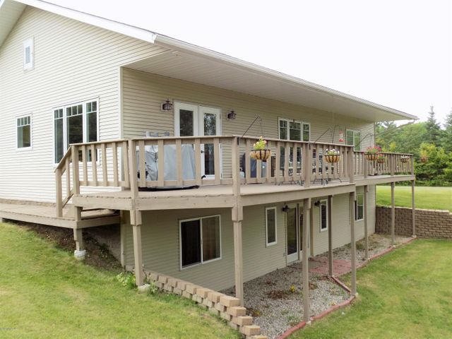 900 Winter Drive NW, Baudette, MN 56623