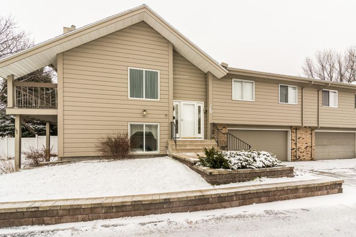 601 4th Avenue NE, 10, Crookston, MN 56716