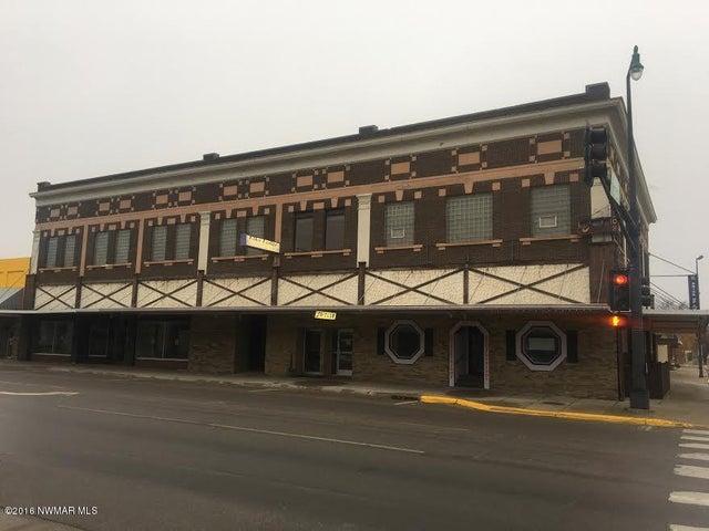 115 3rd Street E, Thief River Falls, MN 56701