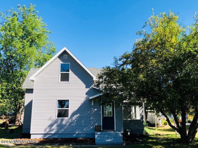 805 Lake Street NE, Warroad, MN 56763