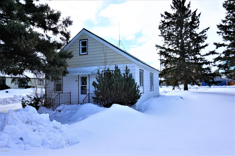 908 2nd Street NE, Roseau, MN 56751
