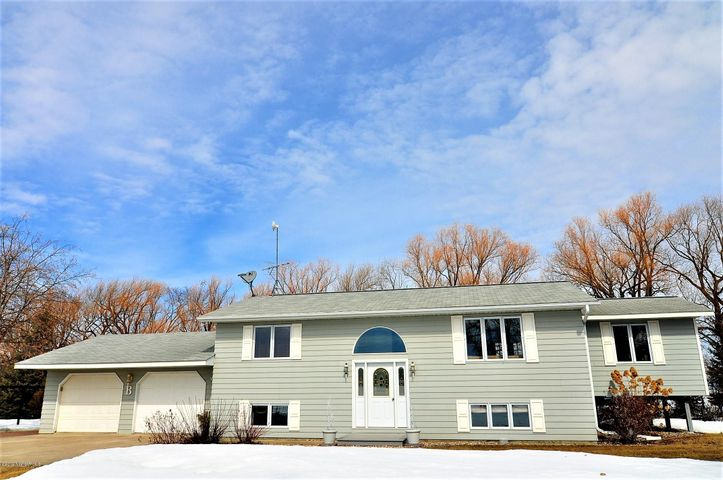 31647 430th Avenue, Roseau, MN 56751