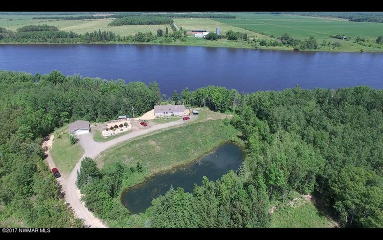 Very private home back off of Highway 11, just 12 miles from Baudette