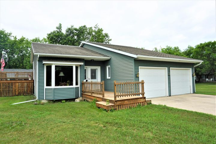 111 11th Avenue SE, Roseau, MN 56751