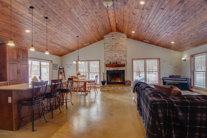 452 Whisperwood Court SW, Bemidji, MN 56601