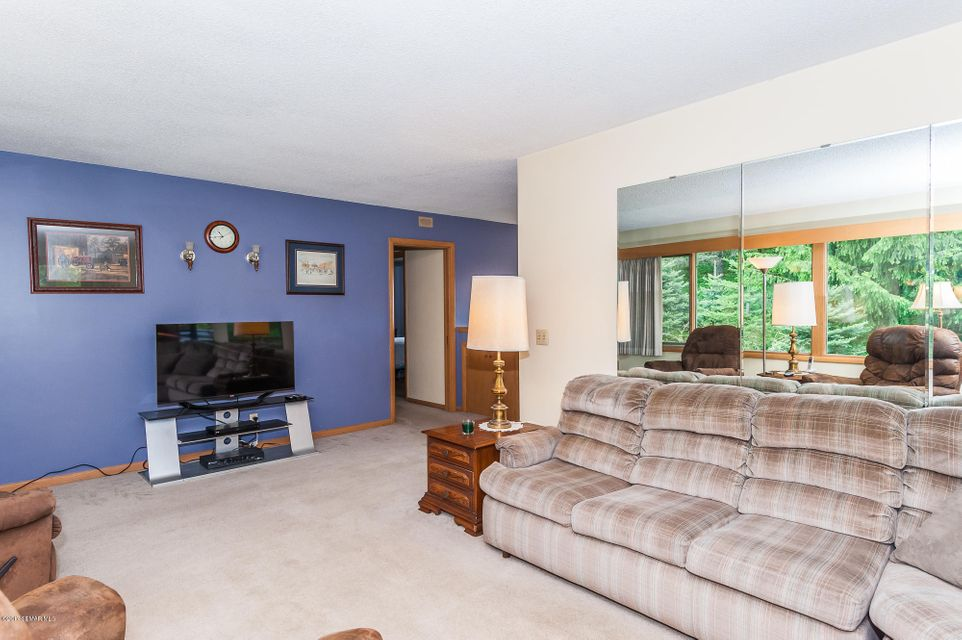 1689 7 1/2,Rochester,Minnesota 55906,5 Bedrooms Bedrooms,3 BathroomsBathrooms,Single family residence,7 1/2,4079980