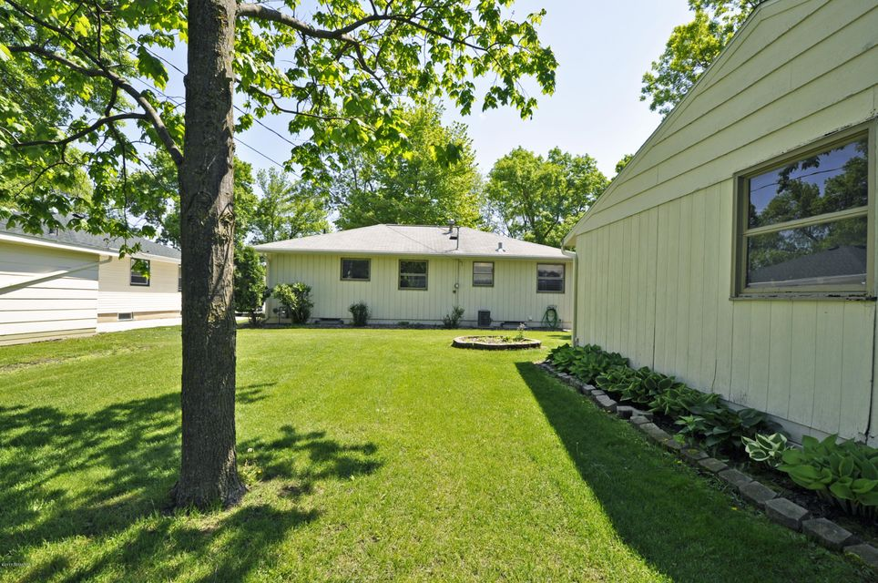 1413 9th,Rochester,Minnesota 55904,3 Bedrooms Bedrooms,2 BathroomsBathrooms,Single family residence,9th,4079986