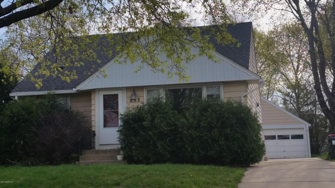 852 4th,Rochester,Minnesota 55904,2 Bedrooms Bedrooms,2 BathroomsBathrooms,Single family residence,4th,4079994