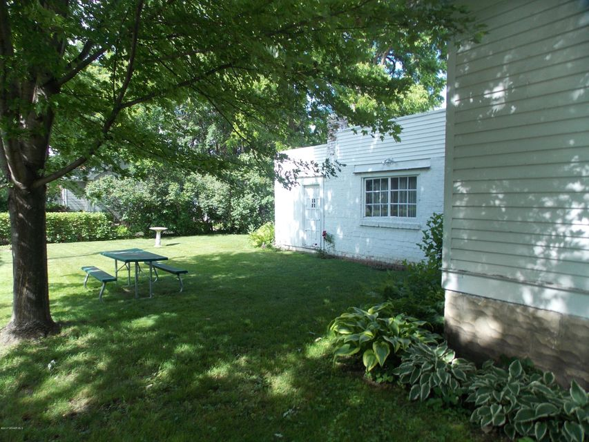 127 11th,Rochester,Minnesota 55901,2 Bedrooms Bedrooms,2 BathroomsBathrooms,Single family residence,11th,4080930
