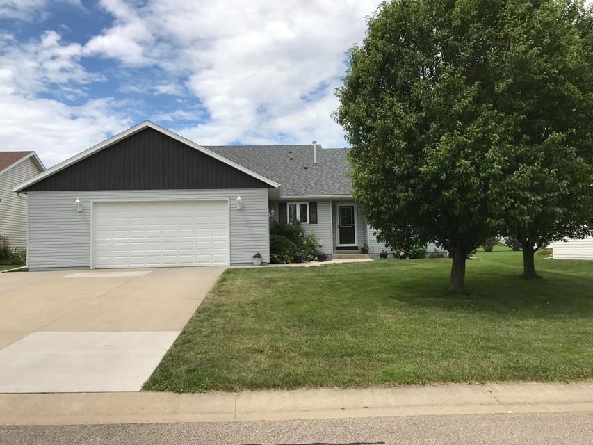 607 13th NW, Kasson, MN 55944