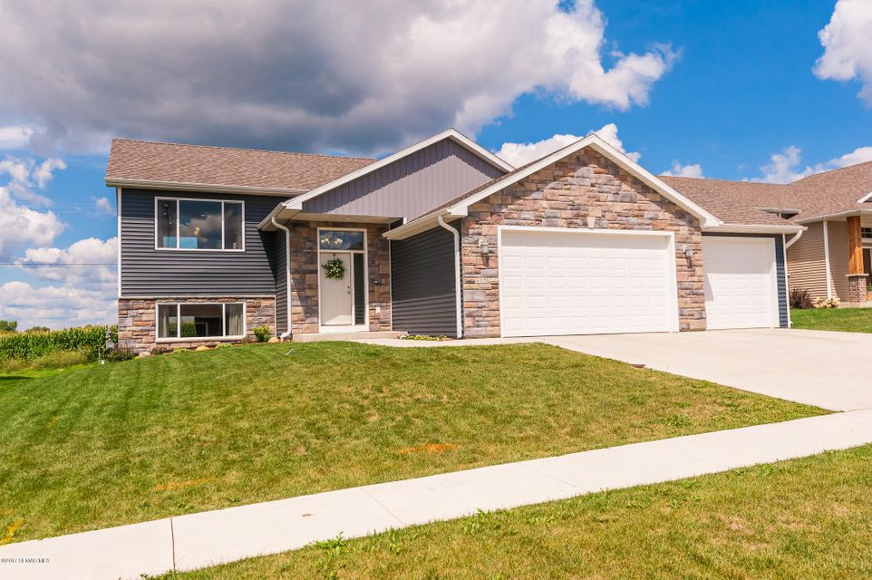 605 12th NW, Kasson, MN 55944