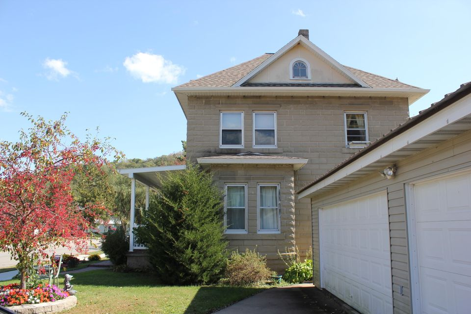single family residence for sale 4 bedrooms 3 bathrooms price 144