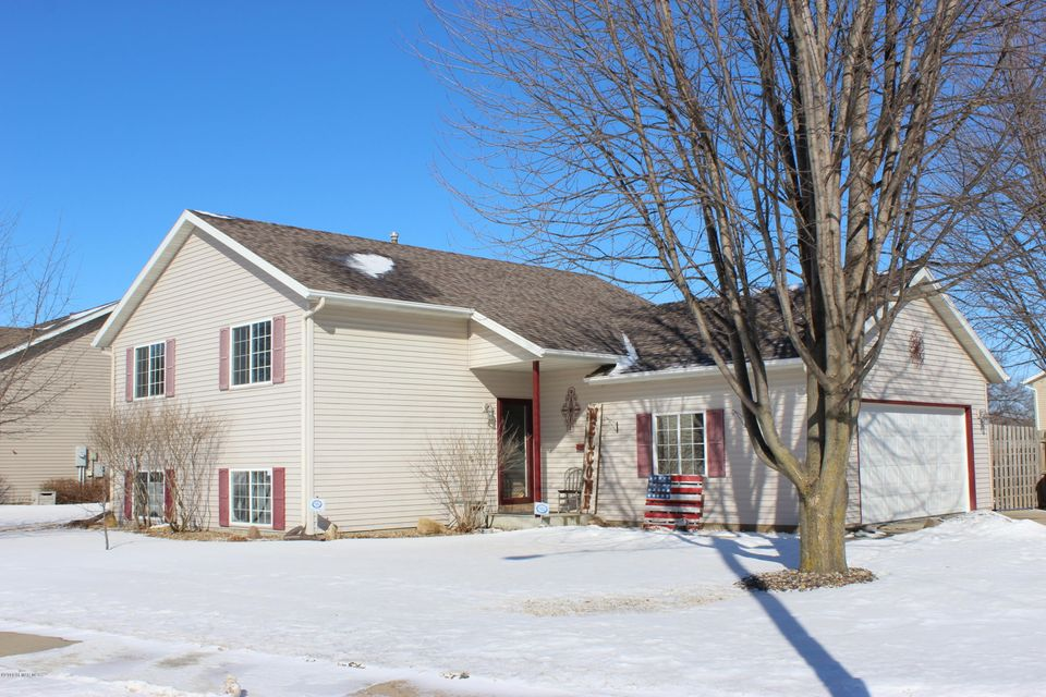 423 Lafayette,Eyota,Minnesota 55934,4 Bedrooms Bedrooms,2 BathroomsBathrooms,Single family residence,Lafayette,4085553