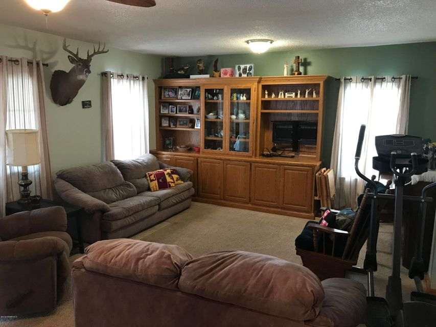 1122 Highway 63,Stewartville,Minnesota 55976,2 Bedrooms Bedrooms,2 BathroomsBathrooms,Single family residence,Highway 63,4086239