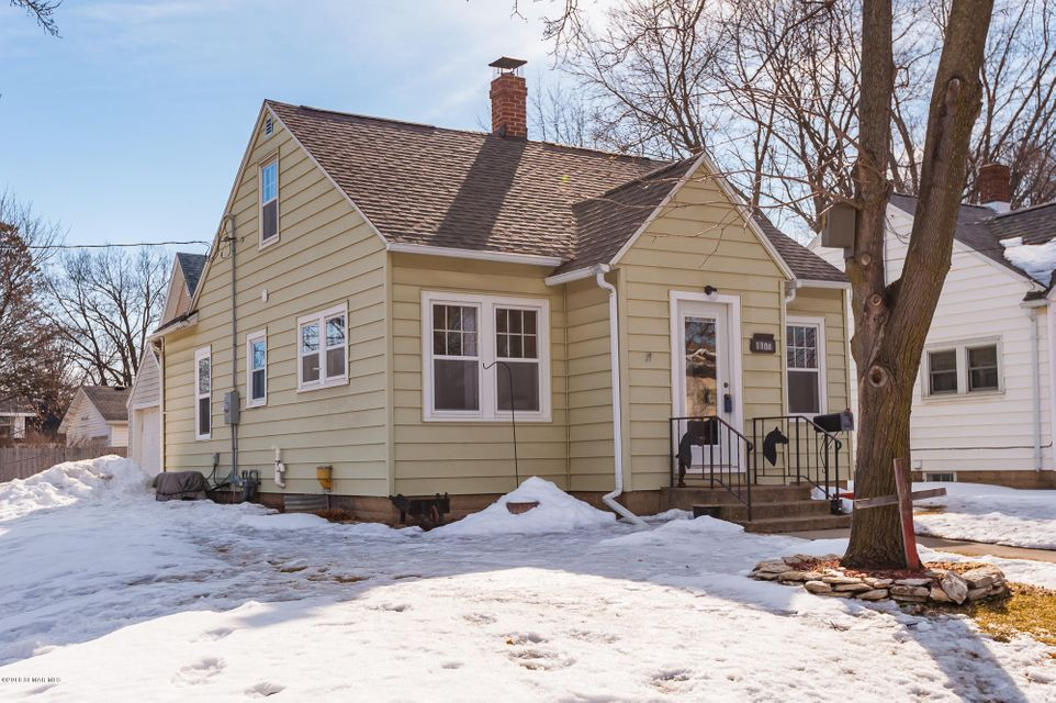 1104 6th,Rochester,Minnesota 55904,3 Bedrooms Bedrooms,1 BathroomBathrooms,Single family residence,6th,4086267
