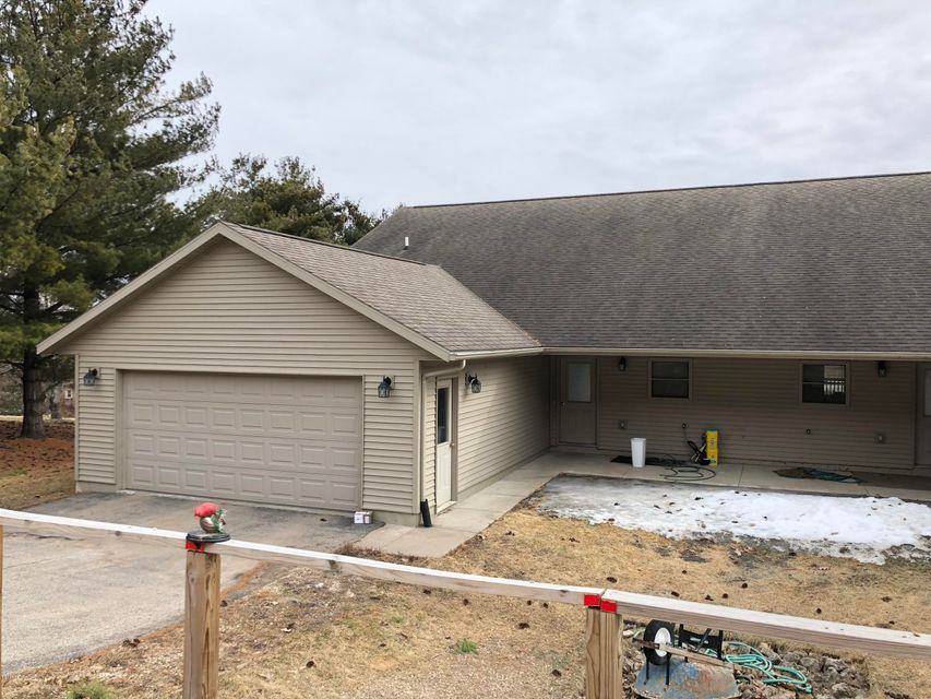 167 Thomas Road Road Fountain City, WI 54629 - MLS #: 4086300