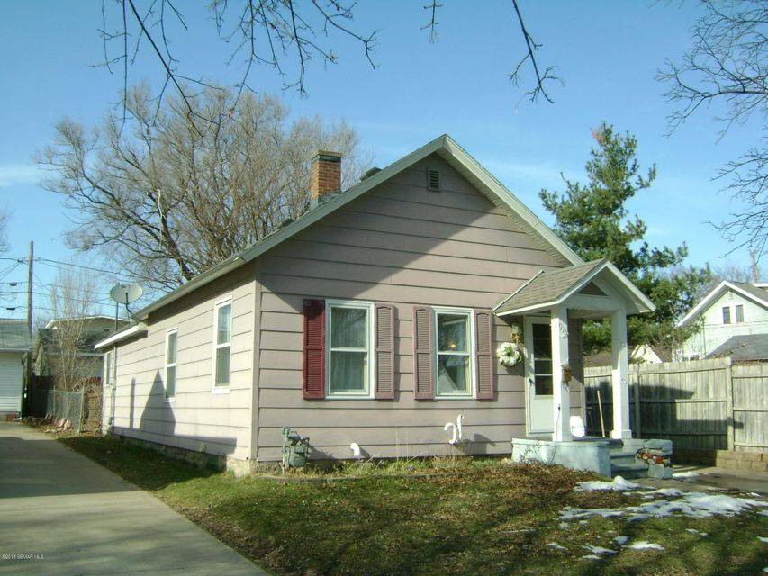 916 W W 10th Street Street Winona, MN 55987 - MLS #: 4087087