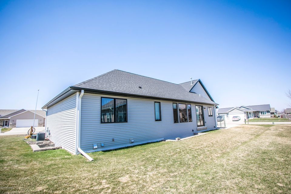 302 NW 15th Avenue NW Avenue Kasson, MN 55944 - MLS #: 4087439