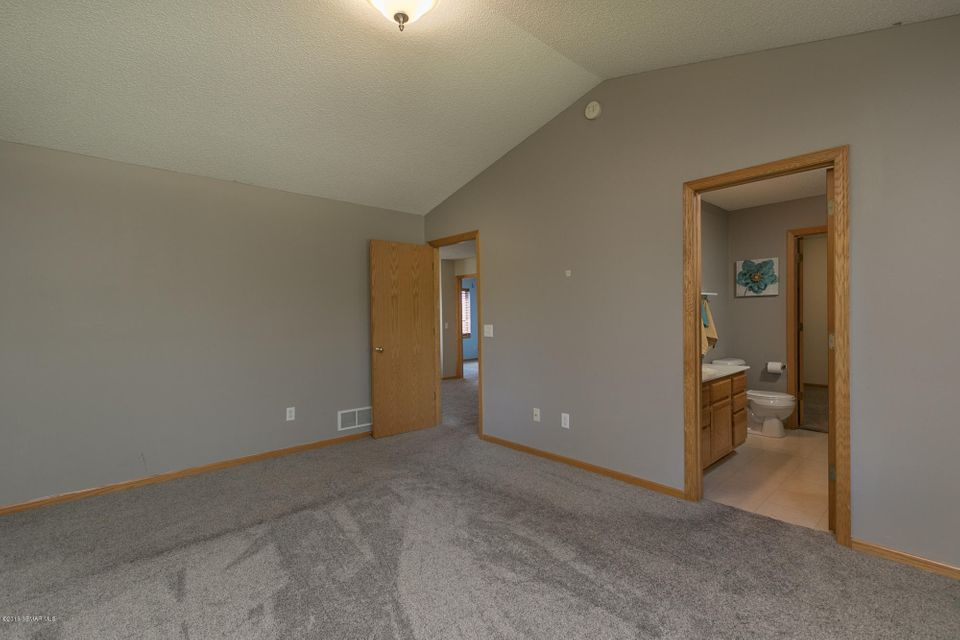 5020 NW Foxfield Drive NW Drive Rochester, MN 55901 - MLS #: 4088013