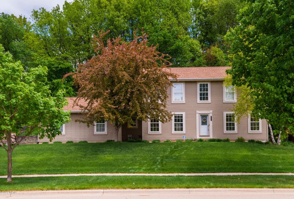 2109 Fox Valley,Rochester,Minnesota 55902,4 Bedrooms Bedrooms,4 BathroomsBathrooms,Single family residence,Fox Valley,4088226