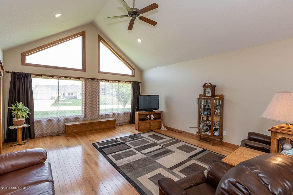 5172 Meadow,Rochester,Minnesota 55904,3 Bedrooms Bedrooms,4 BathroomsBathrooms,Single family residence,Meadow,4085197