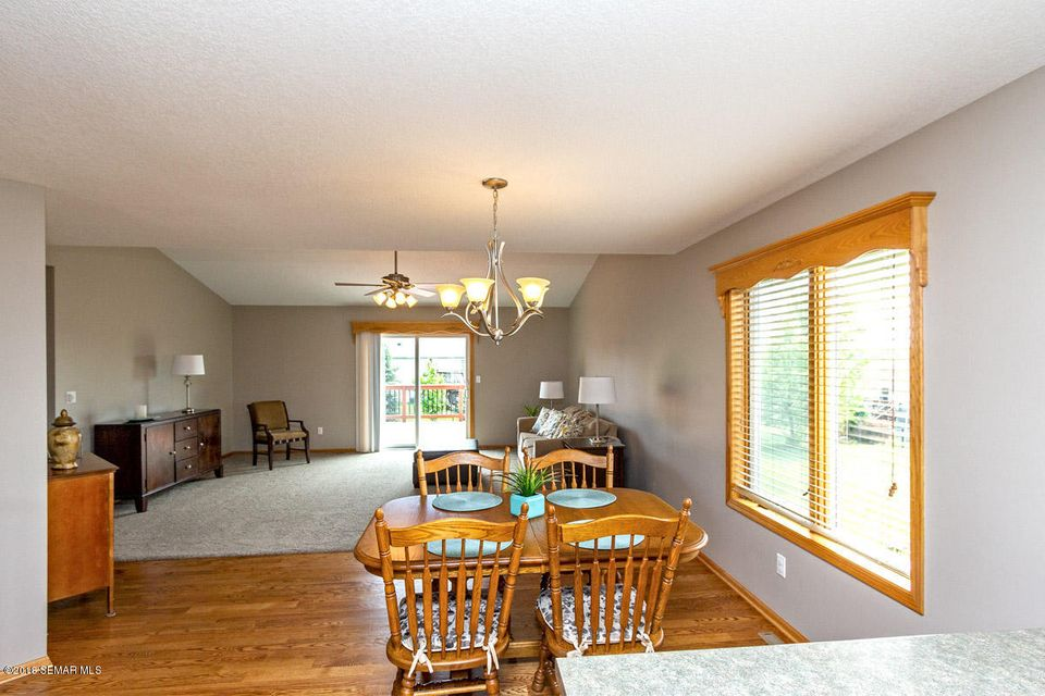 5160 55th,Rochester,Minnesota 55901,4 Bedrooms Bedrooms,3 BathroomsBathrooms,Single family residence,55th,4088208