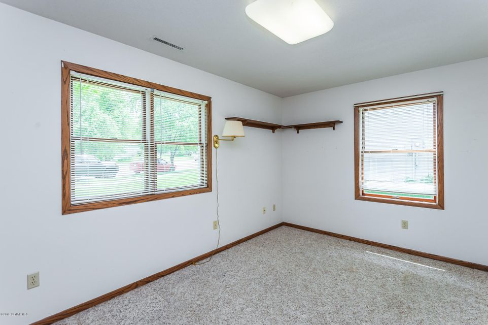 904 Northern Valley,Rochester,Minnesota 55906,3 Bedrooms Bedrooms,2 BathroomsBathrooms,Single family residence,Northern Valley,4088210