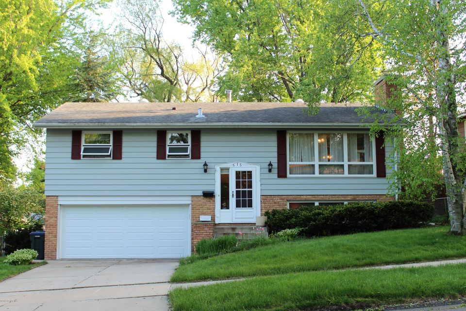 616 28th,Rochester,Minnesota 55901,4 Bedrooms Bedrooms,2 BathroomsBathrooms,Single family residence,28th,4088216