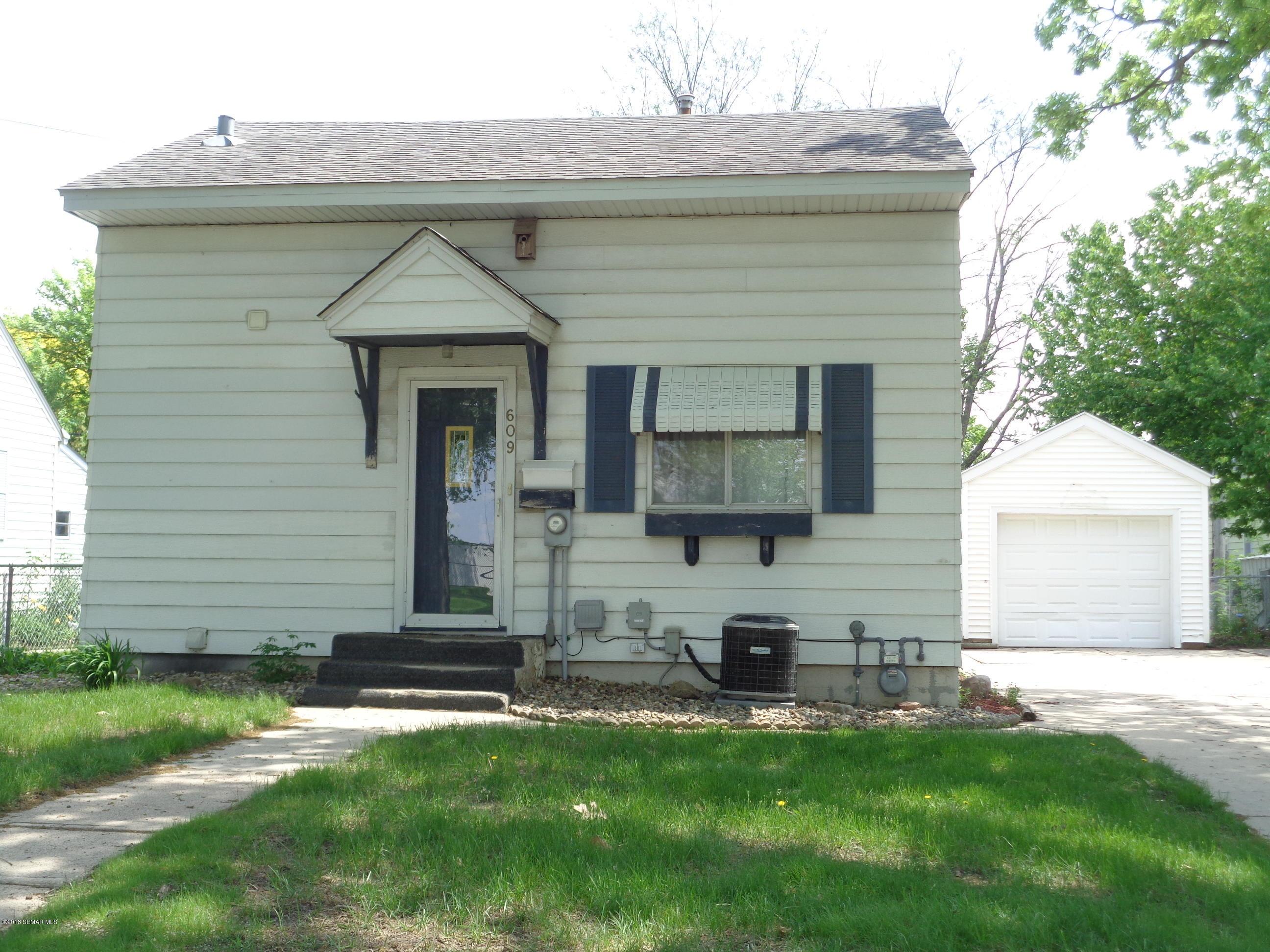 609 SW 12th Street SW Street Austin, MN 55912 - MLS #: 4088229
