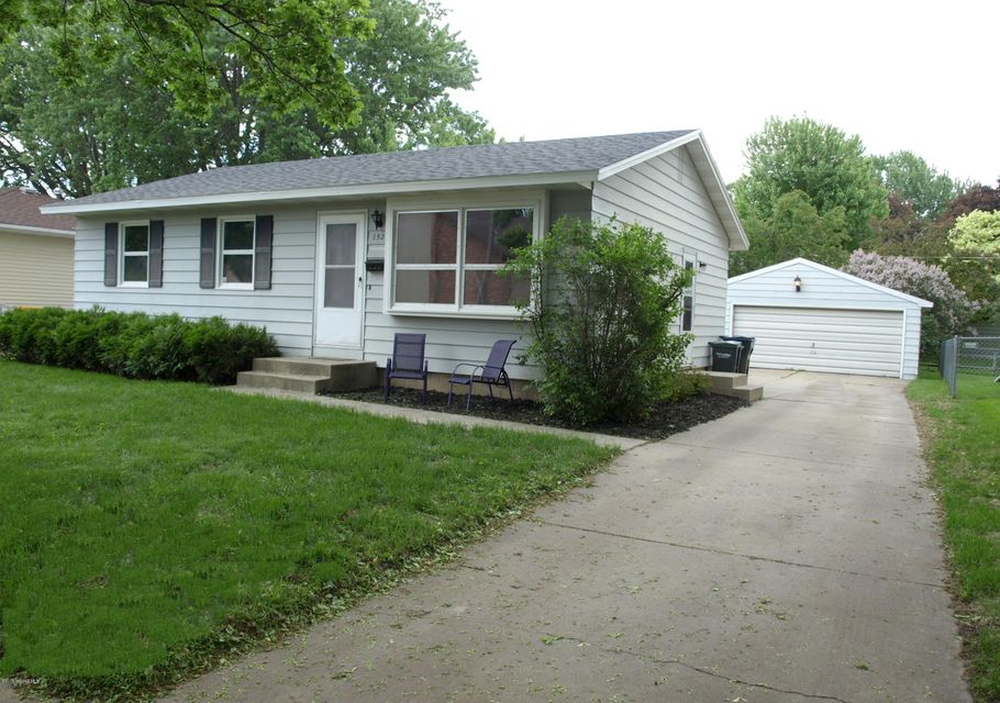 1328 6th,Rochester,Minnesota 55904,3 Bedrooms Bedrooms,1 BathroomBathrooms,Single family residence,6th,4088234