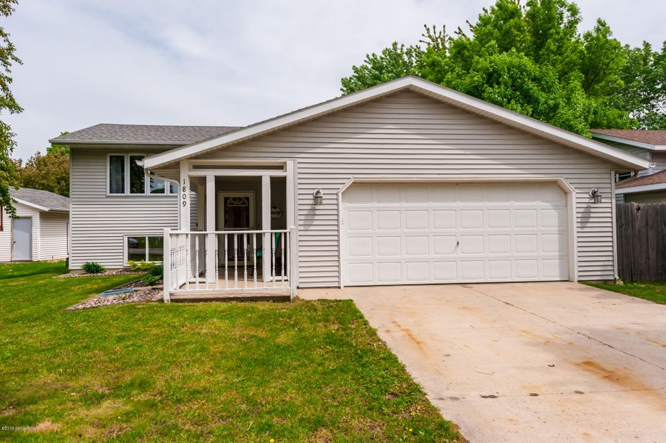 1809 23 1/2,Rochester,Minnesota 55904,3 Bedrooms Bedrooms,2 BathroomsBathrooms,Single family residence,23 1/2,4088238