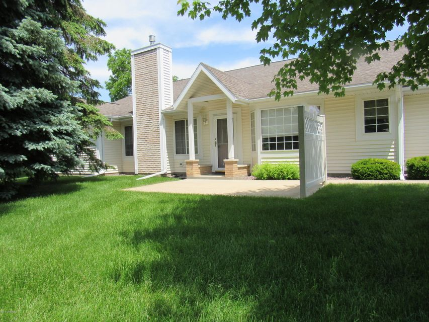 1889 SW Waterford Place SW Place Rochester, MN 55902 - MLS #: 4088564