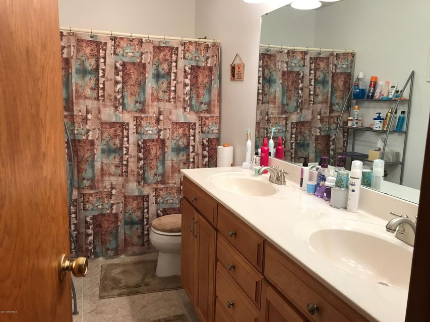 2247 68th,Rochester,Minnesota 55901,3 Bedrooms Bedrooms,3 BathroomsBathrooms,Single family residence,68th,4089599